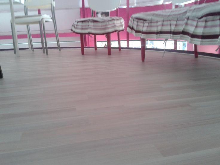 Πάτωμα σε εσωτερικό χώρο