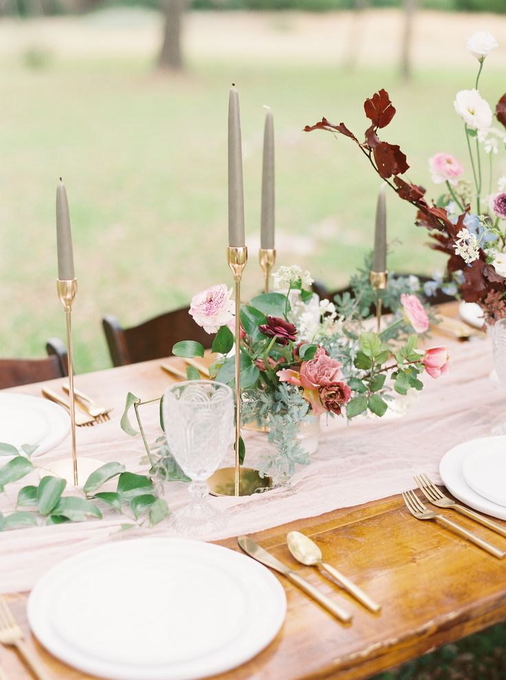 Elegant + romantic tabletop | Photography: Brittany Jean