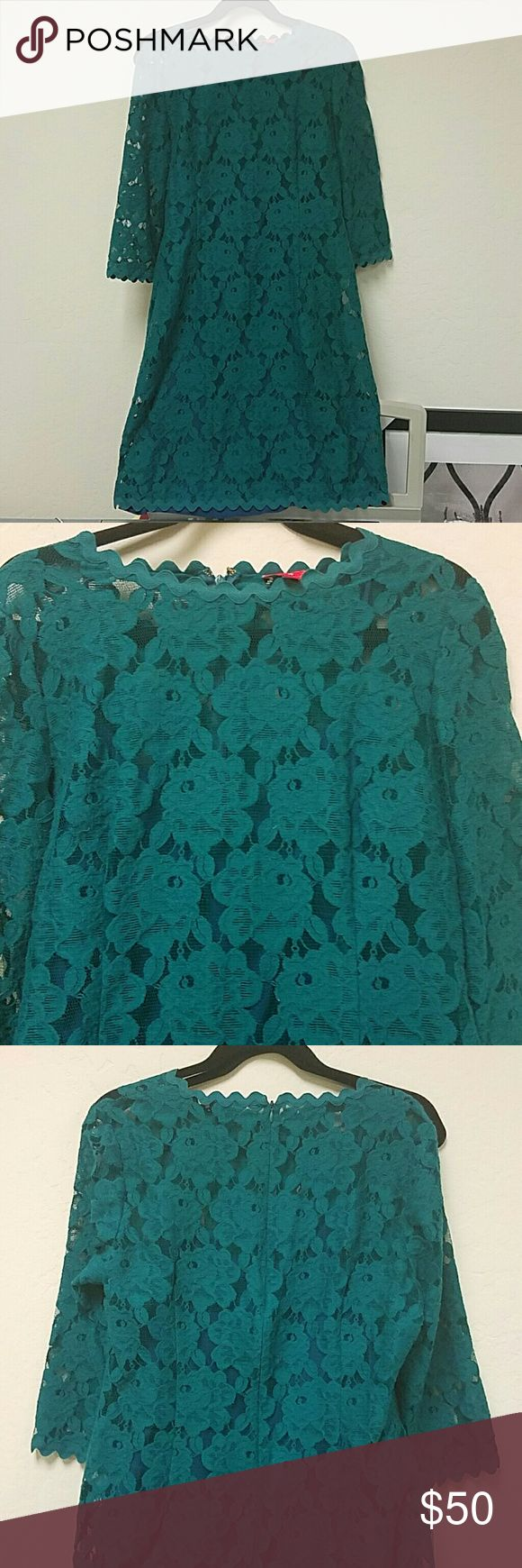 Ivank Trump Size 14 Green Lace Dress Worn 3 times, in perfect condition. Size 14 Ivanka Trump Dresses Long Sleeve