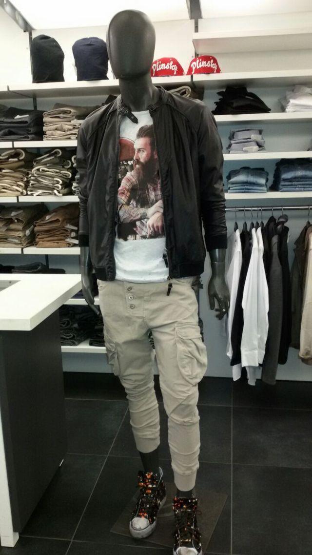 Consigli sugli acquisti da J.Nicholas http://jnicholas.it/gianni-lupo/vetrine-di-abbigliamento-uomo-online/