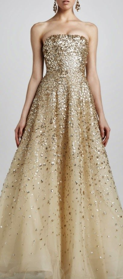 Oscar de la renta....  I NEED an event, a ball, a palace invitation... SOMETHING, ANYTHING to have an excuse to buy and wear this dress!!!