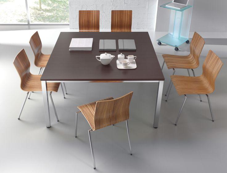 großer Konferenztisch E10 | Für bis zu 8 Personen geeignet, bietet der Tisch jede Menge Platz für konstruktive Gespräche, Verhandlungen und Meetings. #office #work #MoebelLETZ