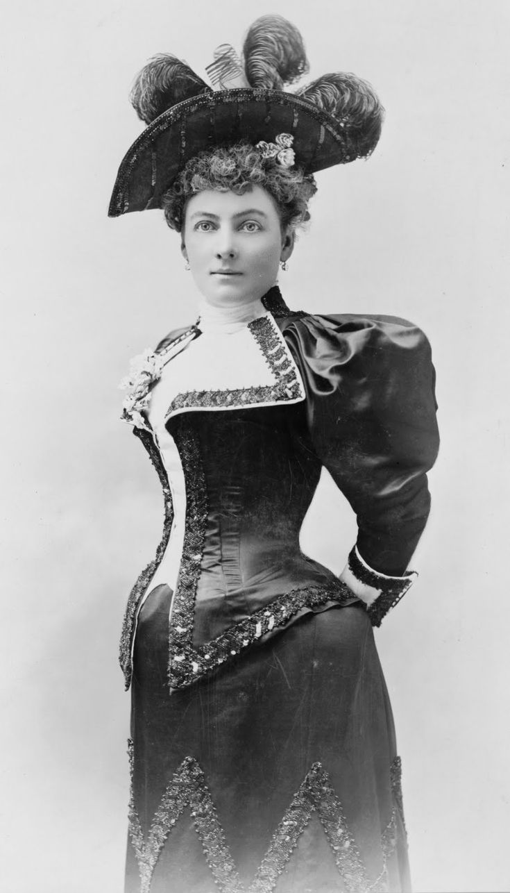 :::::::::: Vintage Photograph ::::::::::   Novelist Laura Jean Libbey, in beautiful Victorian outfit, 1898.  Seriously how did women breathe in these outfits?