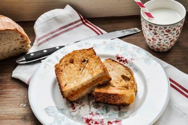Жареный бутерброд с сыром