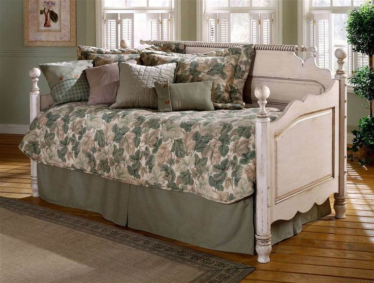 Wilshire Cottage Style Daybed in Antique White Finish [ID 17798] #HillsdaleFurniture #Traditional #Daybeds