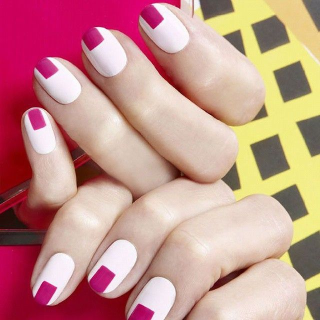 White & Pink Graphic manicure