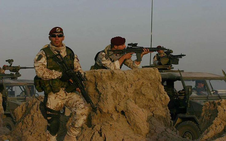 Italian Army Paratroopers from the Folgore Parachute Brigade on patrol in Afghanistan.
