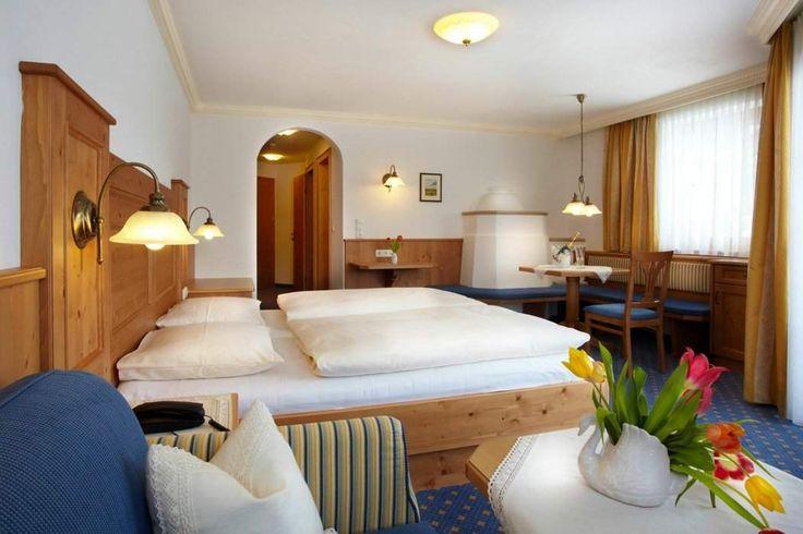 Winterwunderland Tirol: Inklusive 4-Sterne Hotel, Halbpension + Therme - 3 bis 8 Tage ab 99 €   Urlaubsheld
