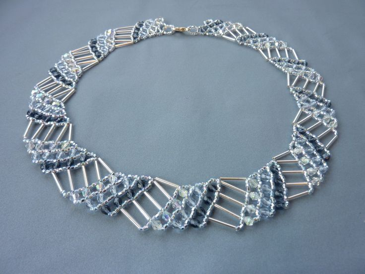 free beading pattern for geometric collar necklace made