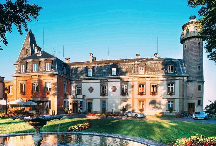 11 Unique And Beautiful Chateaus To Stay At In France (12)