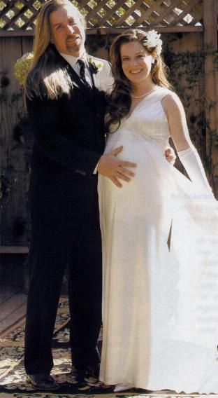 Holly Marie Combs married David Donoho on Valentines Day 2004.