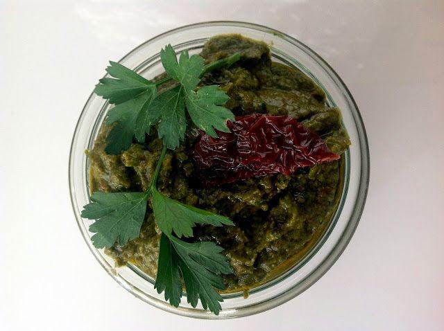 szczypta smaQ: Pesto z natki pietruszki i suszonych pomidorów