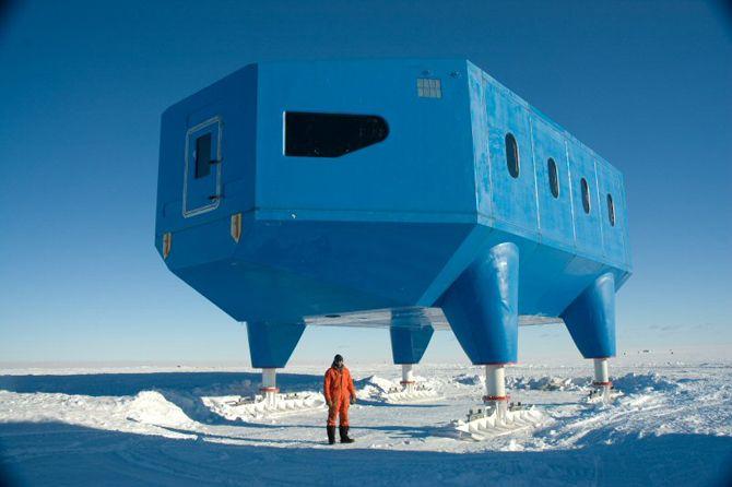 Halley VI Research Station - image: British Antarctic Survey