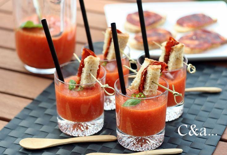 Cucinando e assaggiando...: Gazpacho con spiedino di pane e Chorizo