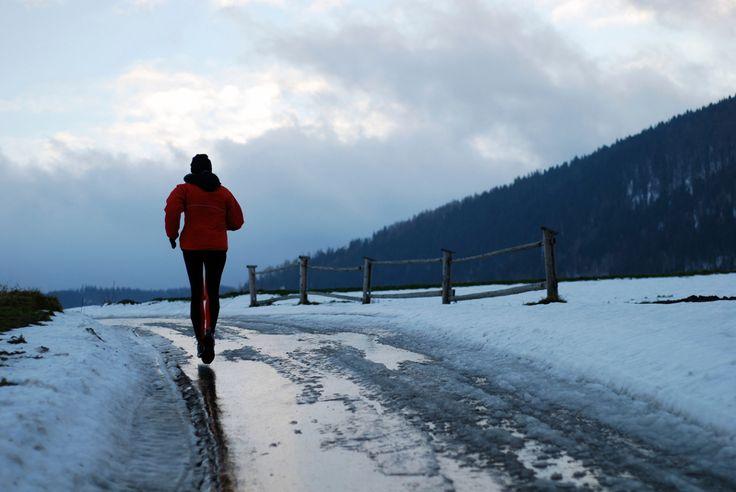 В чем бегать в осенне-зимний период? Выбор непромокаемых кроссовок для мужчин Спортивная обувь на осенне-зимний период имеет ряд особенностей, так как бег протекает в более сложных, чем летом, условиях Как выбрать осенние\зимние мужские кроссовки ☞http://www.professionalsport.ru/blog/2015/10/28/v-chem-begat-v-osenne-zimniy-period-vybor-nepromokaemyh-krossovok-dlya-muzhchin #Mizuno #Asics #Brooks   #JapanEngineered #professionalsport #профессиональныйспорт #russia #интернетмагазин #кроссовки