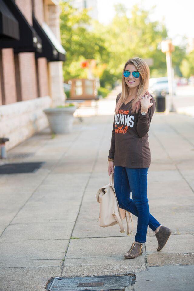 Football fashion. Cleveland Browns fashion.#MyNFLFanStyle #CleverGirls #ad - The Samantha Show