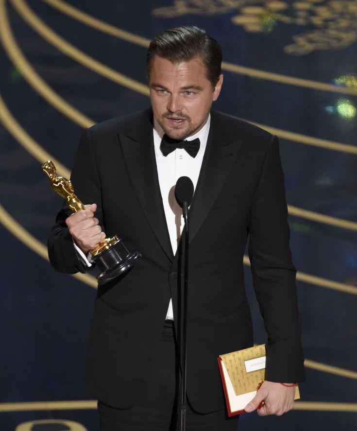 Premios Oscar 2016: La ceremonia de los Oscar 2016 en imágenes. Fotogalerías de Celebrities. Los Premios Oscar se vestían de negro en esta ocasión. Negros eran muchos de los vestidos de las asistentes a la ceremonia. Negras eran las bromas
