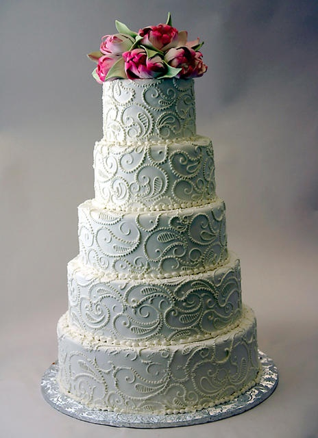 Another beautifullly piped cake with paisley detailing by Konditor Meister