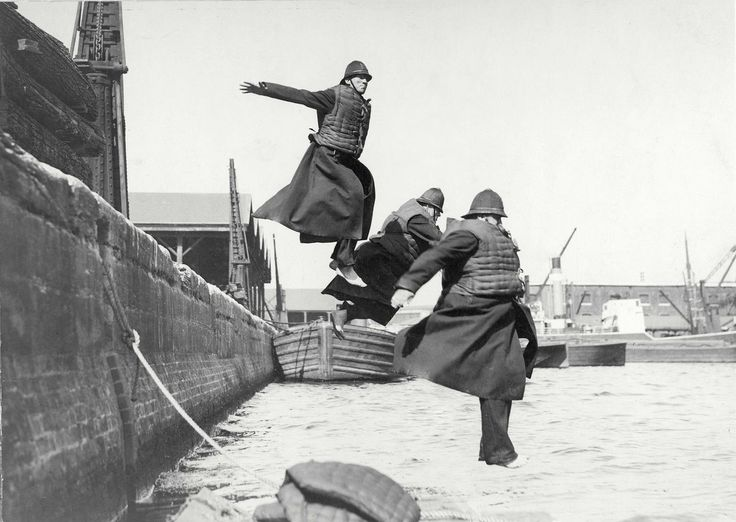 A jump into the Thames - training for policemen, 1920