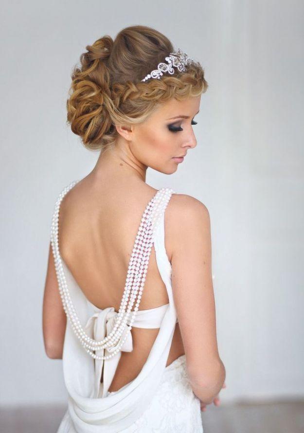 Укладка волос мягкими волнами с косой: свадебные прически на средние волосы ::: onelady.ru ::: #hair #hairs #hairstyle #hairstyles