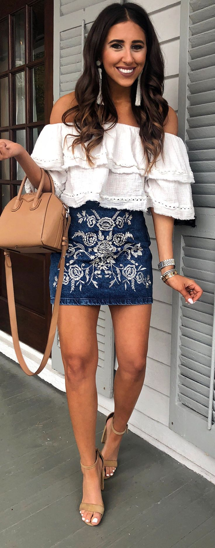 #spring #outfits woman wearing white off-shoulder shirt and blue denim skirt. Pic by @dressupbuttercup