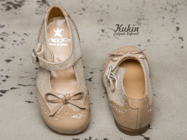 zapatos-arras-niña calzado infantil - zapatos ceremonia niña - moda niña - zapateria infantil online - merceditas ceremonia niña - zapatos niña - moda infantil - kukin calzado infantil - dorados - charol - zapatos arras