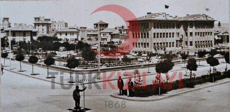 1930 Civarı Eski Kızılay Meydanı