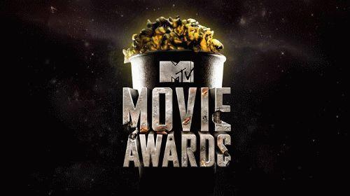 MTV Movie Awards 2016: В ночь с 10 на 11 апреля 03:00 Мск Прямой эфир / Трансляция Смотреть онлайн MTV Movie Awards 2016 — 25-я церемония вручения кинонаград канала MTV за 2015 год состоится 10 апреля 2016 года на студии Warner Bros., в городе Бербанк (Калифорния, США). Номинанты в четырнадцати категориях были объявлены 8 марта 2016 года. Ведущими церемонии выступят актёры Кевин Харт и Дуэйн «Скала» Джонсон.    Читать далее…