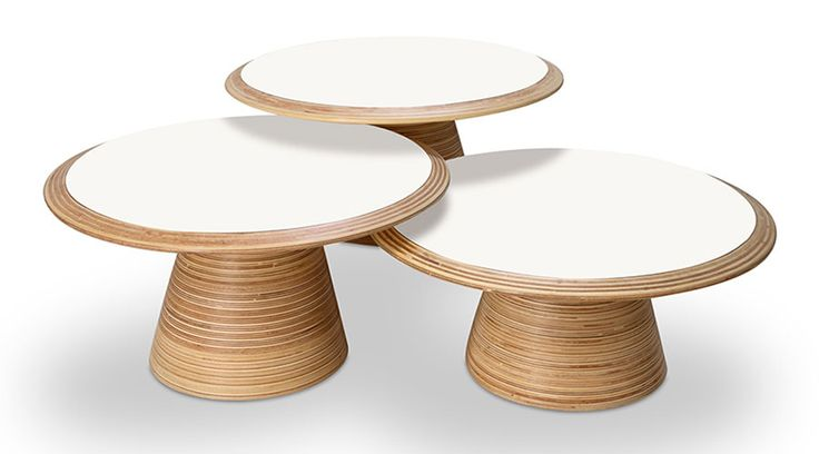 Mesa Elisa, de Paulo Alves. Reconhecido pelo trabalho com a madeira, essa peça é confeccionada em compensado de reflorestamento de Paricá e laminado melamínico no tampo