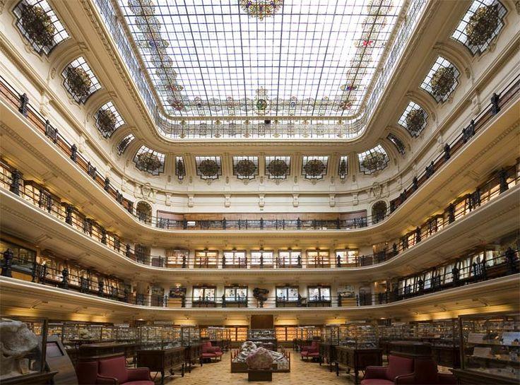 El Museo Geominero es una unidad del Instituto Geológico y Minero de España, Organismo Público de Investigación del Ministerio de Economía y Competitividad, en cuya sede principal se encuentra ubic...