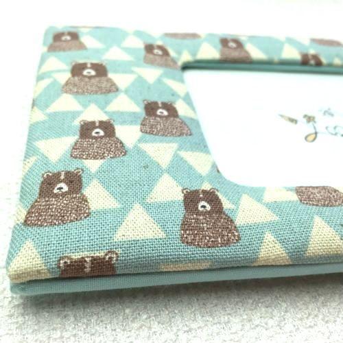 ファブリックフォトフレーム 綿麻キャンバスのプリント生地で素朴なタッチのクマ柄フォトフレーム