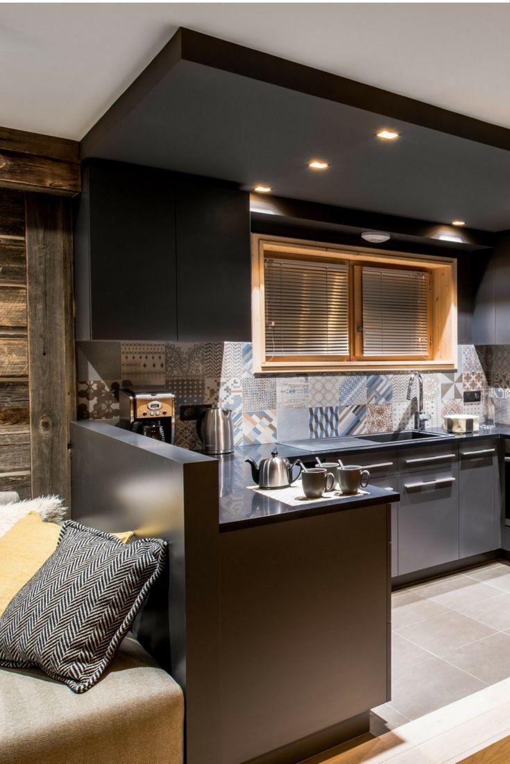 Best Aménagement Et Décoration Dun Appartement De Prestige En - Formation decorateur interieur avec fauteuil transparent design