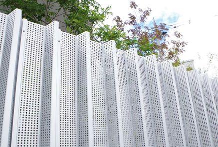 目隠しフェンス 目隠しと通風や採光を両立 デザインフェンス カターゴ - catago -