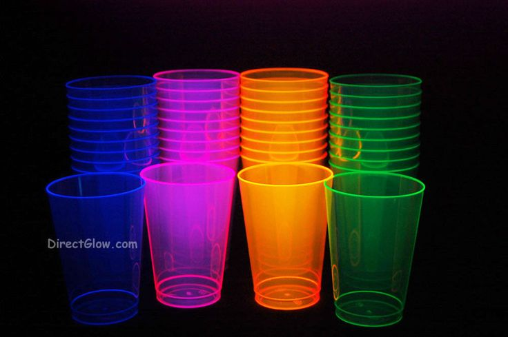 Assorted Neon Blacklight Reactive 12oz Party Cups 40ct in Party Tableware & Serveware | eBay