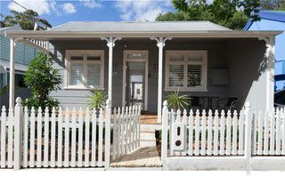 I like the small decorative pieces either side of the verandah posts. I also like the colour: Dulux timeless grey.
