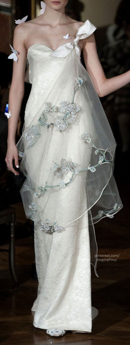 Without all the butterflies. this gown is very pretty. Couture Spring 2014 - Alexis Mabille (Details)