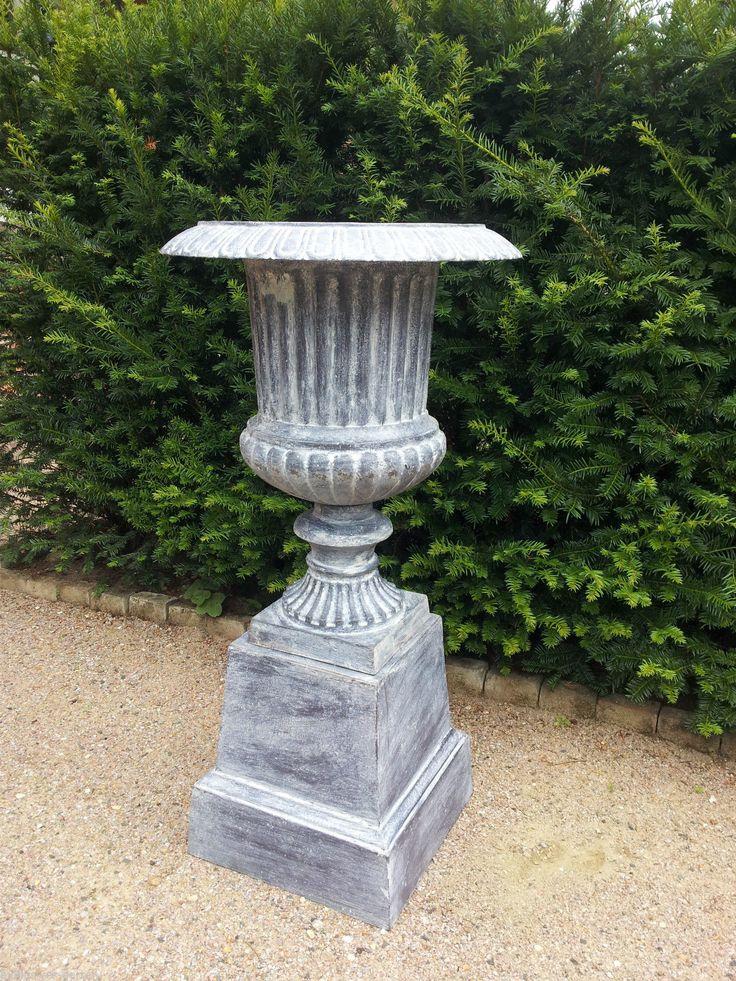 17 best images about fontaines amphores statues for Amphore de jardin