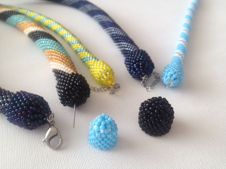 How to make a beaded cap...not English but maybe... ~Seed Bead Tutorials