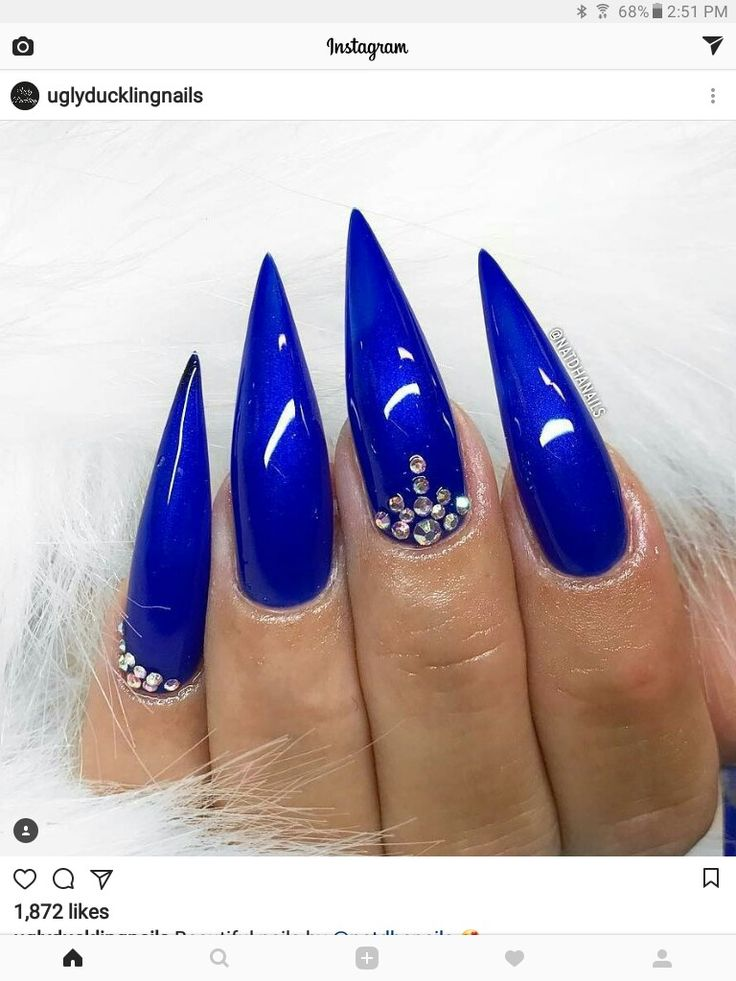LOVELY BLUE stiletto nails with rhinestone nail art | decorado de unas | #naildesign #nailart