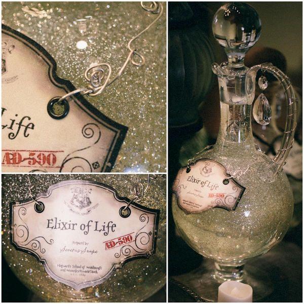 Les tables de potions inspirées par Harry Potter sont peut être mes créations préférées dans ce thème, et celle-ci est un réglal pour les ye...