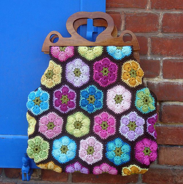 Ravelry: chitweed's African Flower Bag....love the colours