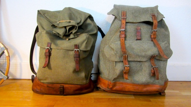 swiss army backpack salt and pepper small vs. big, both compared view from the front