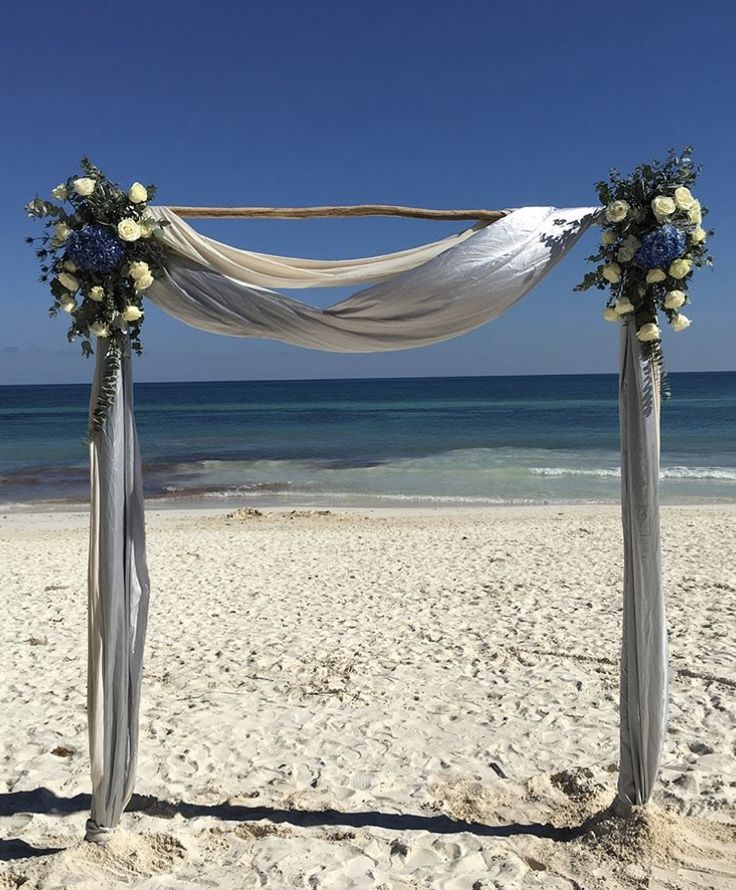 CBG241 wedding Riviera Maya arch for ceremony wit flowers on grey white and blue perfect mix/ arco con flores grises blancas y azules mezcla perfecta