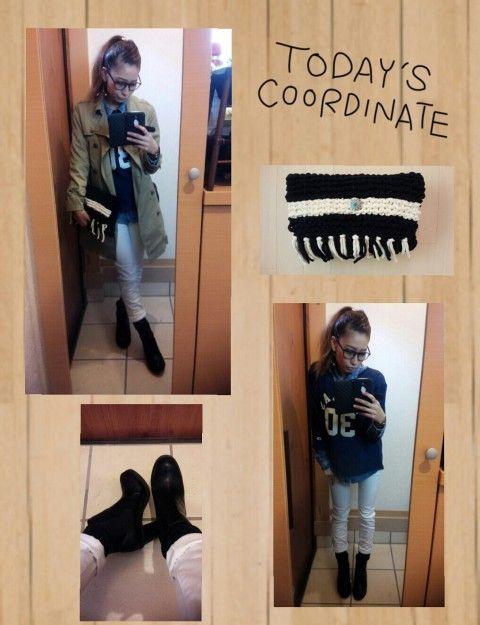 ランチコーデ♡  いつもいつもgoodにwatchありがとうございます(๑´ω`๑)♡ 日々、感謝です❣❣❣  大好きなななたんとランチ❣❣❣ 弾丸トークしてきて疲れたぁーwww なんでも話せるっていいね(o´罒`o)ニヒヒ♡   今日ゎ町田でお買い物したスウェットトレーナーを着たくて組んだコーデです♡ 実ゎCampionなんです♡ 袖に付いてるワンポイントがかわゆーーーす♡ 靴下ゎ大好きな緑をチラ見せ(๑́•∀•๑̀)ฅテヘッ 最近靴下マニアです(o´罒`o)ニヒヒ♡ 髪の毛ゎポニーテールがあたしの中でキテますwww    トレンチコート/オフハウス¥200 スウェットトレーナー/町田でお買い物¥6500 デニムシャツ/オフハウス¥400 パンツ/g.u.¥990 靴下/あったやつ サイドゴアブーツ/Hether→プレゼント ピアス/ハンドメイド ニットクラッチバック/ハンドメイド 伊達メガネ/¥300