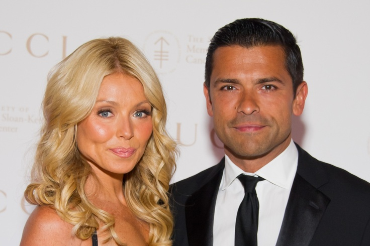 Kelly Ripa and Mark Consuelos Photos