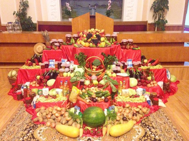 Pregătiri...  #adventist #sda #church #fruits #vegetables #fructe #legume #romania #nofilter #nature