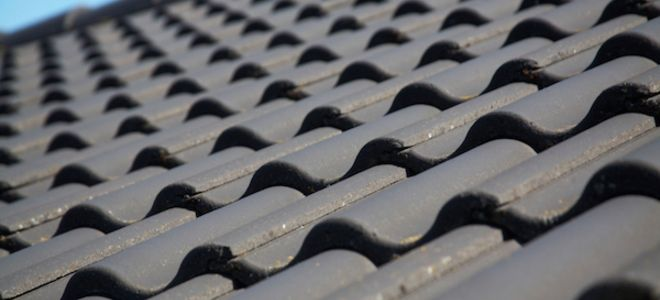 How To Fix A Slipped Concrete Roof Tile In 2020 Concrete Roof Tiles Plastic Roof Tiles Concrete Roof