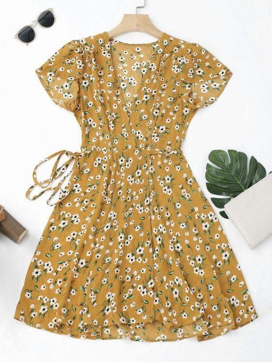 Up to 80% OFF! Tiny Floral Mini Wrap Dress. #Zaful #Dress Zaful,zaful dress,zaful outfits,black dress,dress,dresses,fashion,fal… | casual party dresses en 2019
