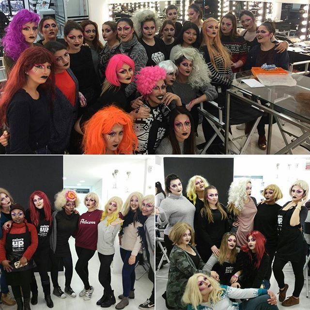 Clase de #maquillaje de Drag Queen Glam en el curso de maquillaje profesional de 10 meses. Infórmate👉hola(arroba)colors-up.com  #makeup #dragqueenglam #CursoDeMaquillajeProfesional #ColorsUp #MakeupSchool #Barcelona #EscuelaDeMaquillajeProfesional #AlumnosColorsUp #aprendermaquillaje #makeupart #makeuplovers #aprendeamaquillar #profesionalesdelmaquillaje #ElArteDeMaquillar #color #cool