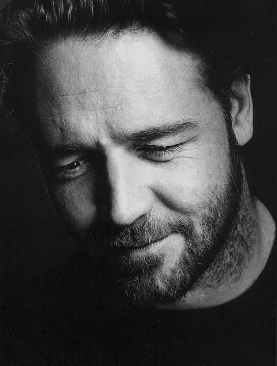 Looking down, up close head shot of Russell Crowe